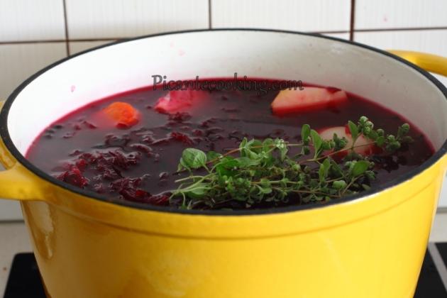 Borsch vegano con vushkas (Polaco)